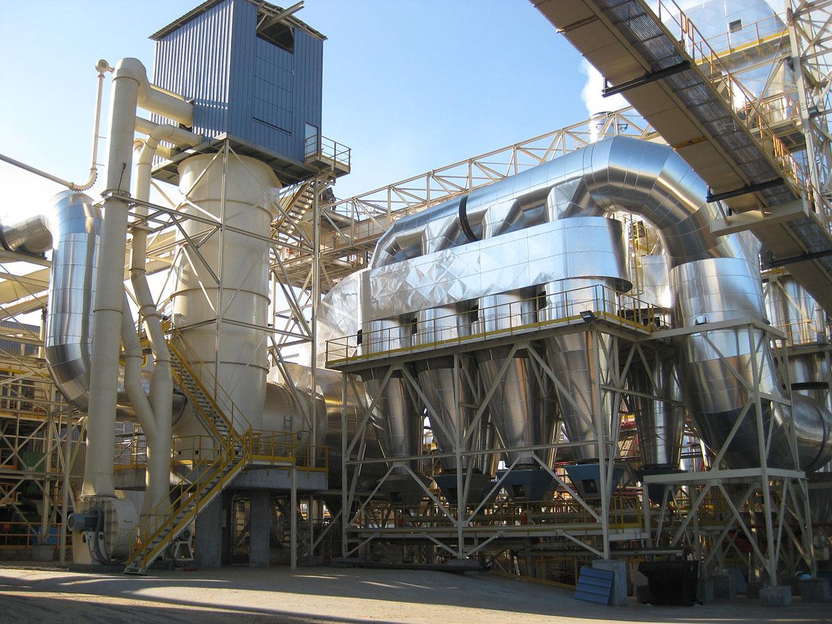 Cámara de combustión vertical con aprovechamiento de gases calientes y separador de arena 2 copia
